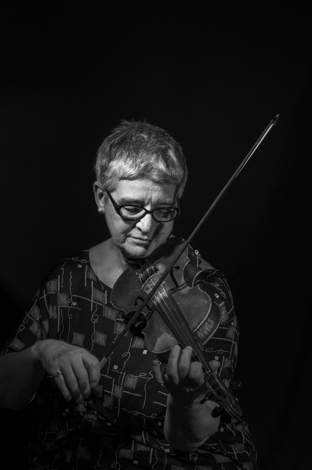susanna ferrar, violinist